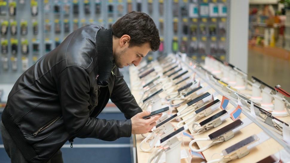 Où acheter son smartphone : boutique physique ou marketplace ?